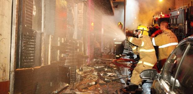 Incêndio de grande proporção atinge a boate Kiss, no centro de Santa Maria (RS) - Germano Roratto/Agência RBS