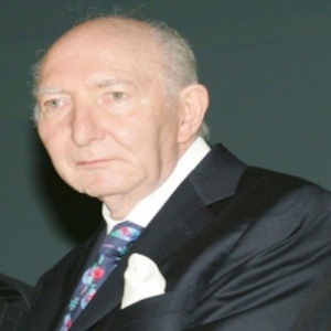 O magnata Abe Krok, criador, ao lado de seu irmão, do Museu do Apartheid, em Johannesburgo