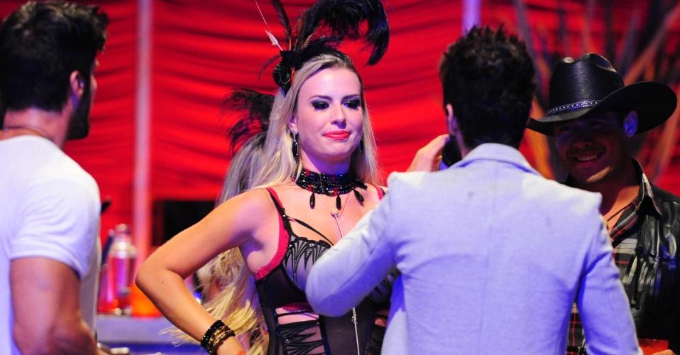 26.jan.2013 - Fernanda, Marcello e Yuri curtem show de Gusttavo Lima