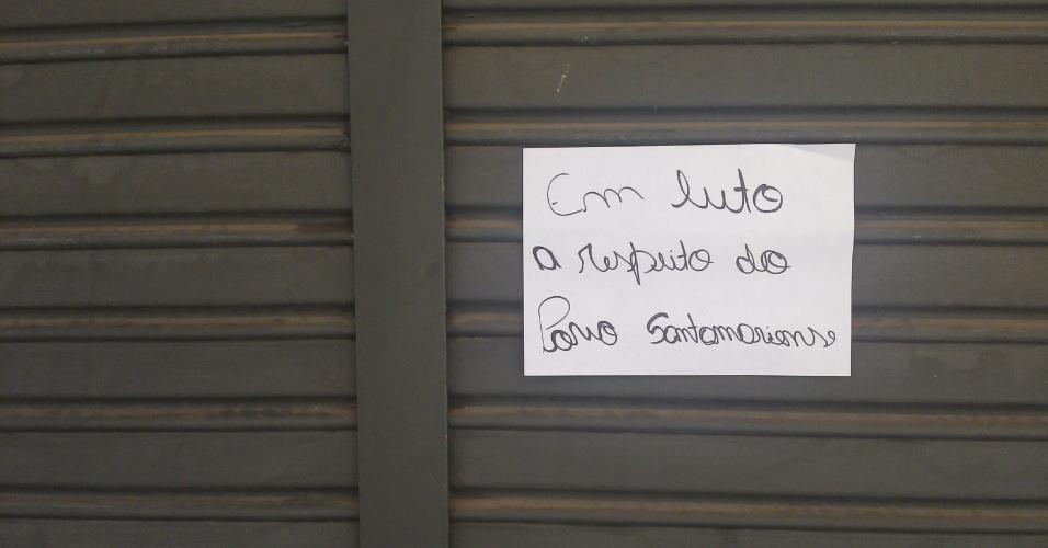 28.jan.2013 - O comércio nas proximidades da rua Doutor Bozano, no centro de Santa Maria, estão fechados em dia de luto por causa das vítimas do incêndio na boate Kiss no domingo (27). Mais de 230 pessoas morreram na tragédia