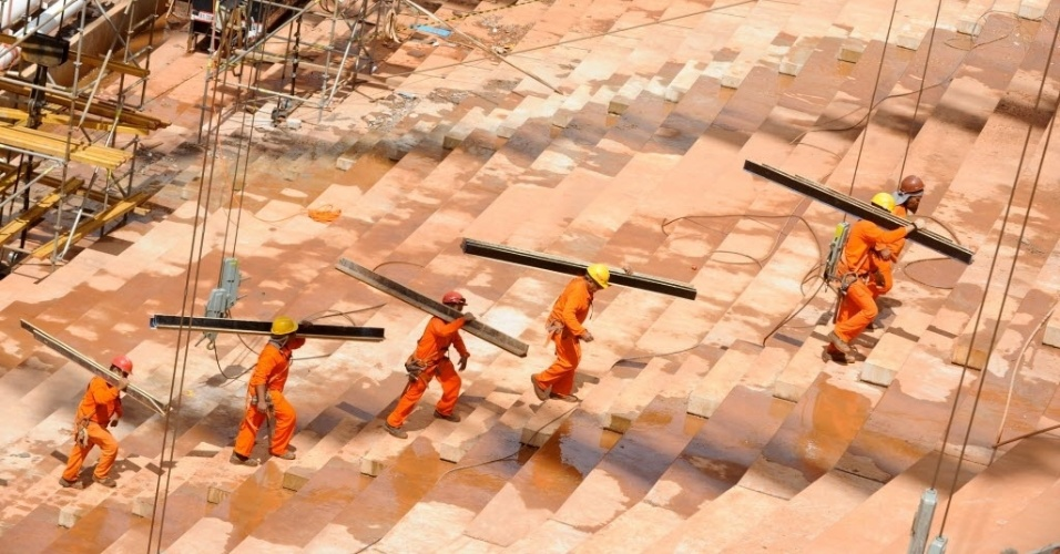28.jan.2013 - Obras do Estádio Nacional de Brasília