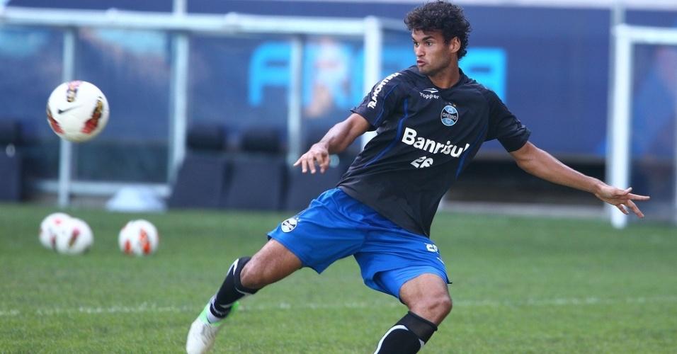 Centroavante Willian José em treinamento do Grêmio na Arena (28/01/2013)