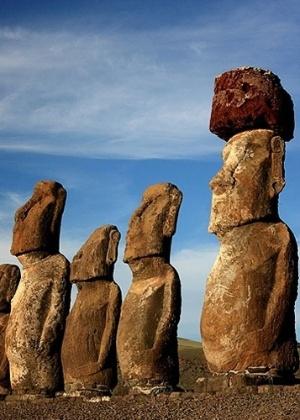 Ilha tem intrigante presença de gigantescas estátuas de pedras, os Moai - Eduardo Vessoni/UOL