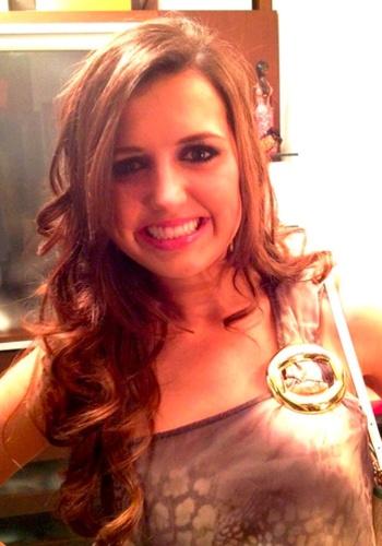 Paula Batistella Gatto, natural de Tapera (RS), está entre as vítimas do incêndio na boate em Santa Maria (RS). Ela estava acompanhada da prima, Luísa Batistella Püttow, que também morreu na tragédia