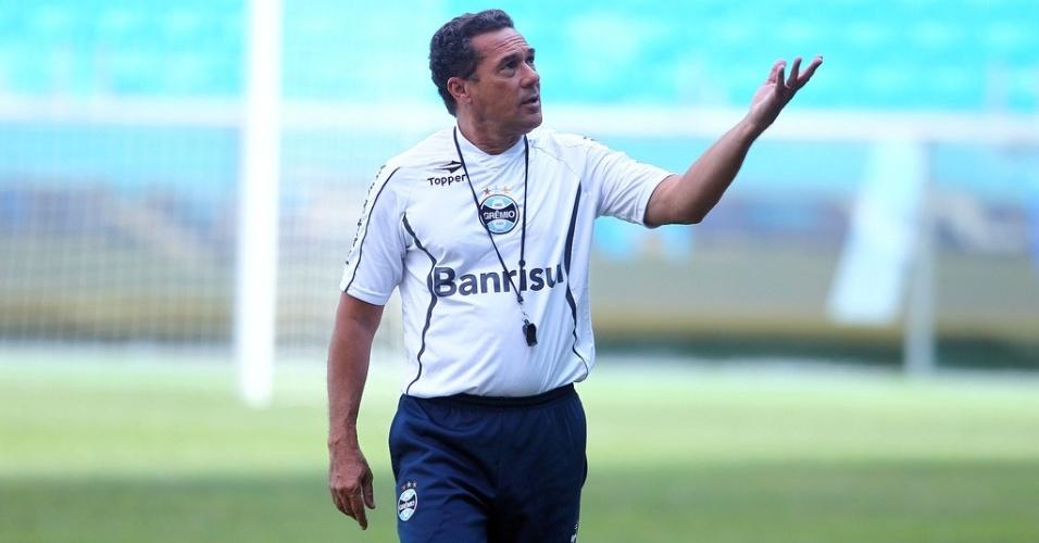 Técnico Vanderlei Luxemburgo durante treinamento da Arena do Grêmio (28/01/2013)