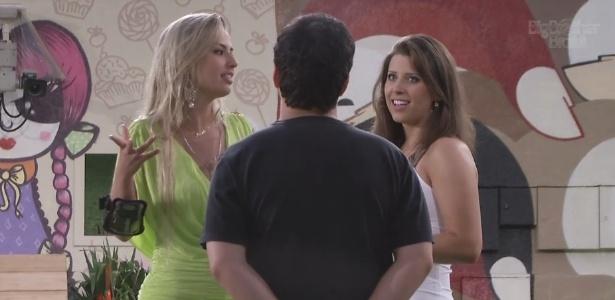 29.jan.2013 - Andressa e Fernanda perguntam para Ivan o significado da palavra puritana