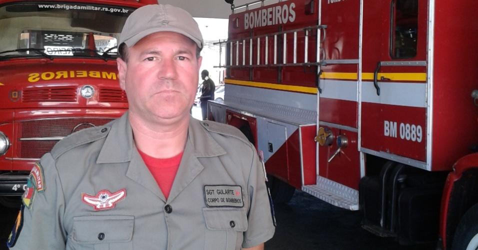 """29.jan.2013- O sargento Sergio Gularte trabalhou no resgate das vítimas do incêndio em uma boate em Santa Maria (RS). Em casos como esse, ele diz que o """"o tempo pode parecer curto, mas para as vítimas é uma eternidade"""""""