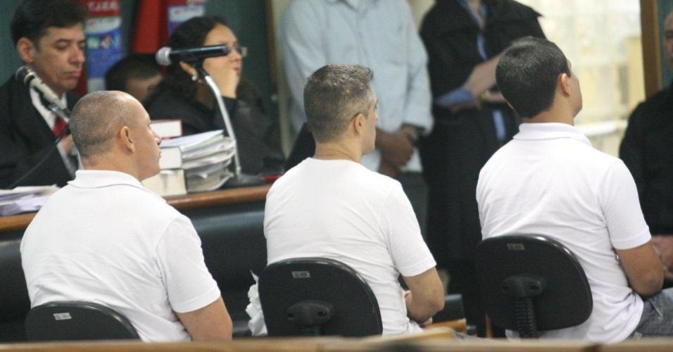 29.jan.2013- Os três policiais acusados de matar a juíza Patrícia Acioli, Jovanis Falcão Júnior, Jéfferson de Araújo Miranda e Junior Cezar Medeiros, são julgados na 3ª Câmara Criminal de Niterói, no Rio de Janeiro