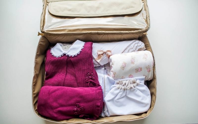 69e11e5b8 Veja o que levar na mala da maternidade para o bebê e como organizá-la