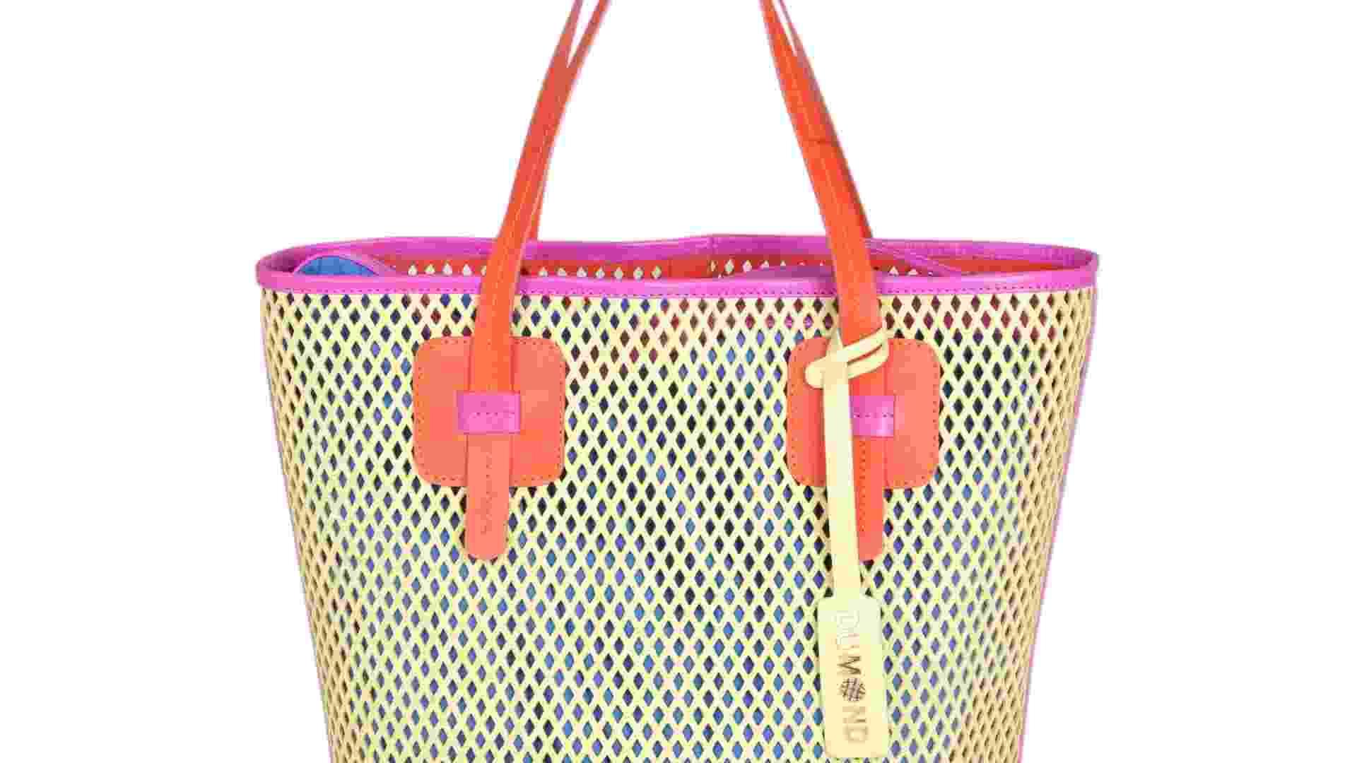 Bolsa vazada em tons de neon; R$ 499, na Dumond (www.dumond.com.br). Preço pesquisado em janeiro de 2013 e sujeito a alterações - Divulgação