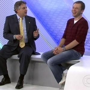 Presidente do Palmeiras diz que Tiago Leifert é palmeirense e dá presente para o apresentador