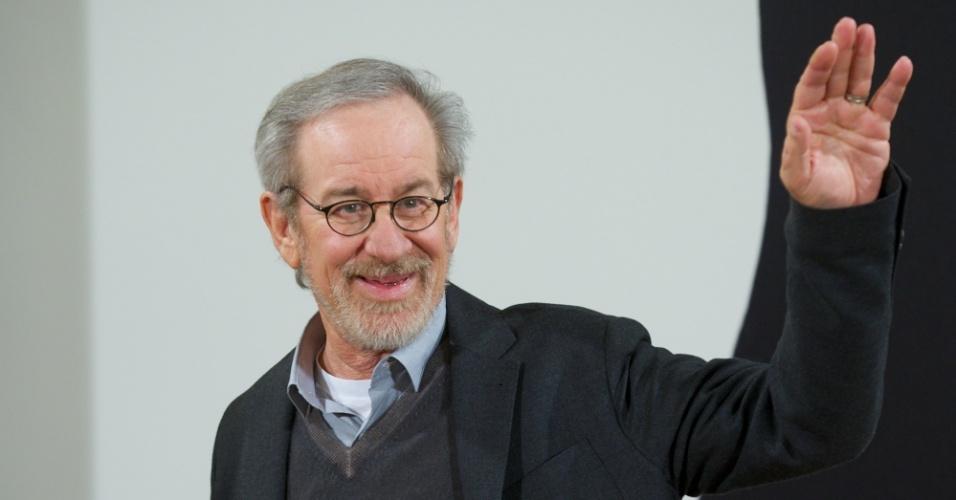 """16.jan.2013 - Steve Spielberg na sessão de fotos de divulgação de """"Lincoln"""" na Casa de America, em Madri"""