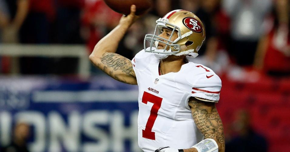 20.jan.2013 - Colin Kaepernic, quarterback do San Francisco 49ers, é fotografado durante jogo contra o Atlanta Falcons