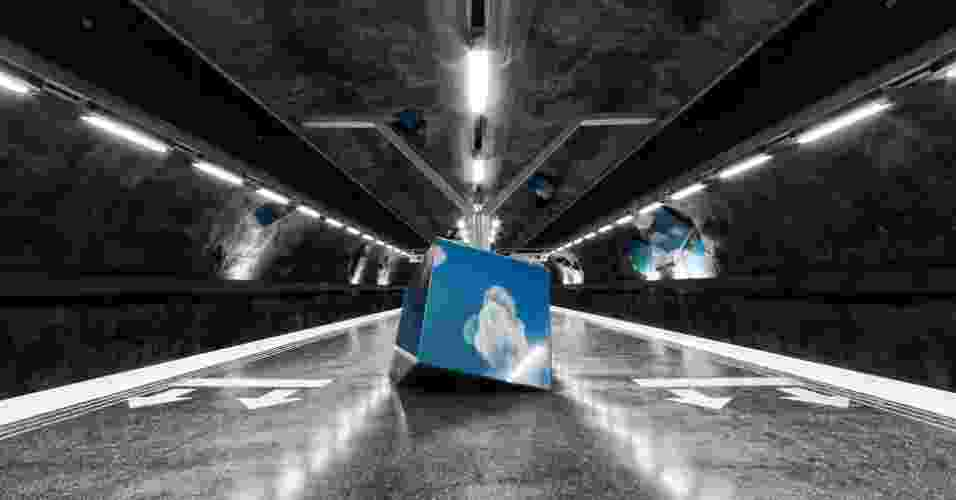 O fotógrafo russo Alexander Dragunov registrou obras de artes espalhadas nos mais de 105 quilômetros de extensão do metrô de Estocolmo - Alexander Dragunov/Divulgação