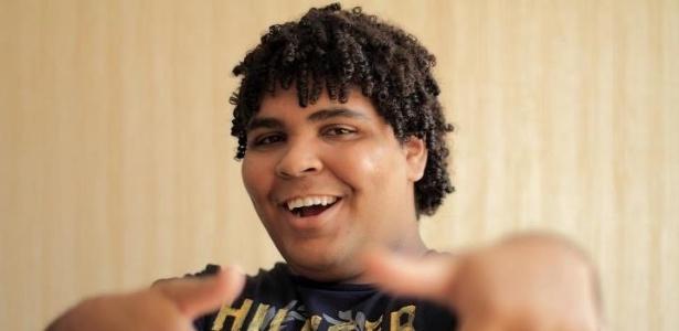 Humorista Paulo Vieira, 23 anos, que vai integrar o elenco de Fabio Porchat na Record - Divulgação