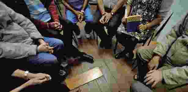 Reunião na sede dos Alcóolicos Anônimos no bairro do Bexiga, em São Paulo (SP) - Fernando Donasci/Folhapress - Fernando Donasci/Folhapress