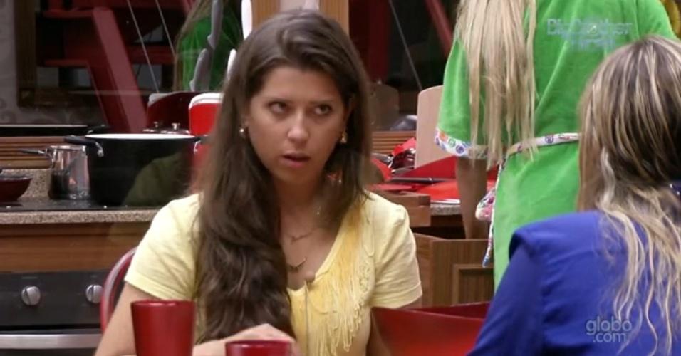 31.jan.2013 - Andressa diz a Marien que vai imunizá-la se ganhar o anjo