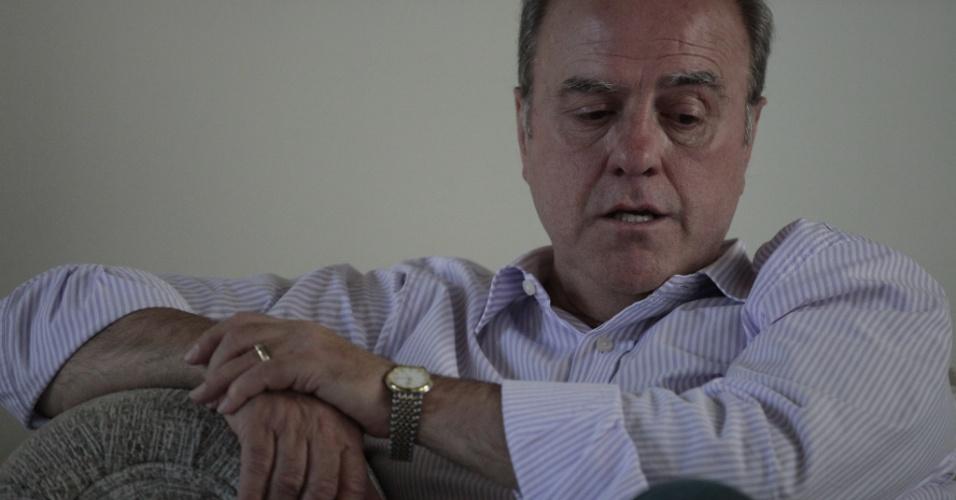 """31.jan.2013 - Em entrevista aos jornais Zero Hora e Diário de Santa Maria, o prefeito de Santa Maria(RS), Cezar Schirmer, falou sobre como tem passado os dias posteriores à tragédia que vitimou dezenas de jovens em uma boate da cidade. """"A prefeitura não tem nenhuma responsabilidade"""", disse o prefeito, """"Se este ou aquele agiu inadequadamente, puna-se. Seja quem for"""""""