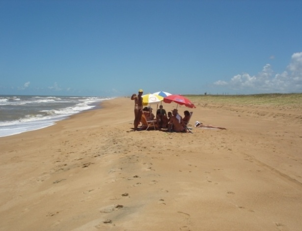 Fotos conhe a praias de nudismo pelo brasil 12 11 2017 for Paginas de nudismo