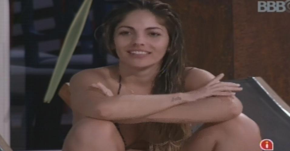 01.fev.2013 - Anamara diz estar com medo de ser indicada por Marien ao paredão