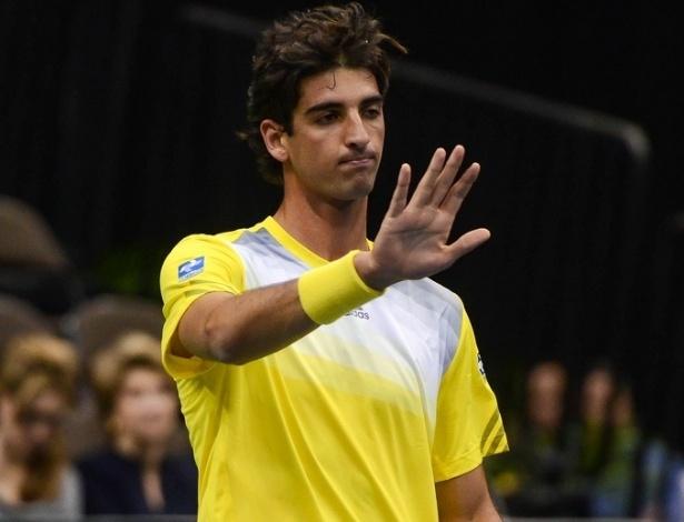 01.fev.2013 - Bellucci em ação contra Sam Querrey na partida entre Brasil e EUA pela Copa Davis