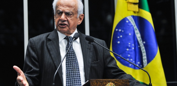 Pedro Simon se disse incrédulo com a possibilidade da aprovação de anistia ao caixa 2 - Geraldo Magela/Agência Senado