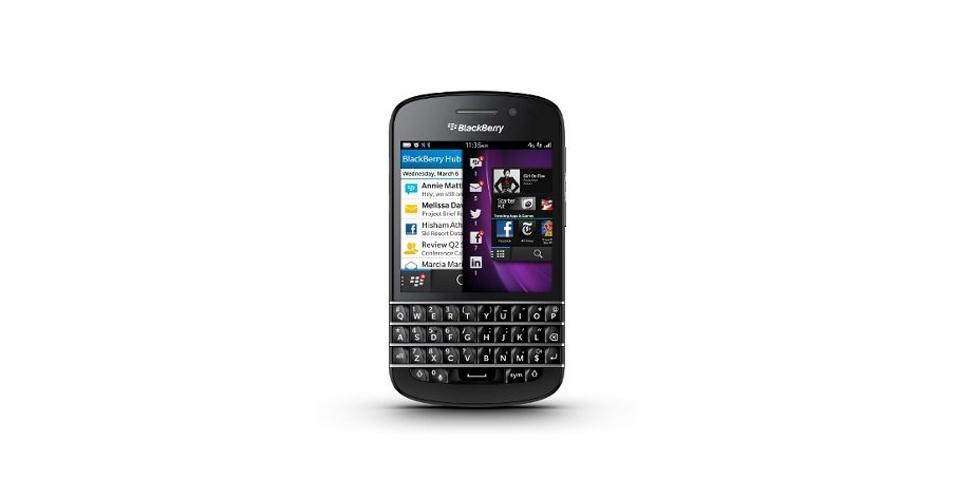 30.jan.2013 - A RIM mudou de nome -- passa a se chamar Blackberry -- e lançou dois smartphones. O da imagem acima é o Q10, que vem com teclado físico, tela de 3,1 polegadas de 720 x 720 pixels, câmera traseira de 8 MP e processador dual-core de 1,5 Ghz