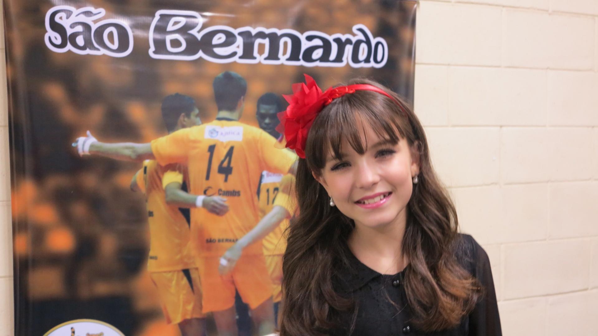 Pior da Superliga, São Bernardo faz marketing com estrela de  Carrossel  -  04 02 2013 - UOL Esporte abdaaf96f7