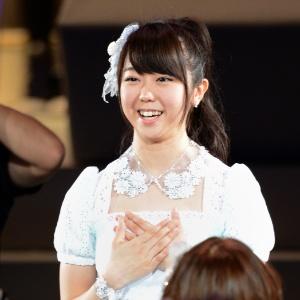 Minami Minegishi em foto tirada em 2012. Cantora raspou os próprios cabelos como autopunição por ter passado a noite com jovem de outro grupo pop - AFP