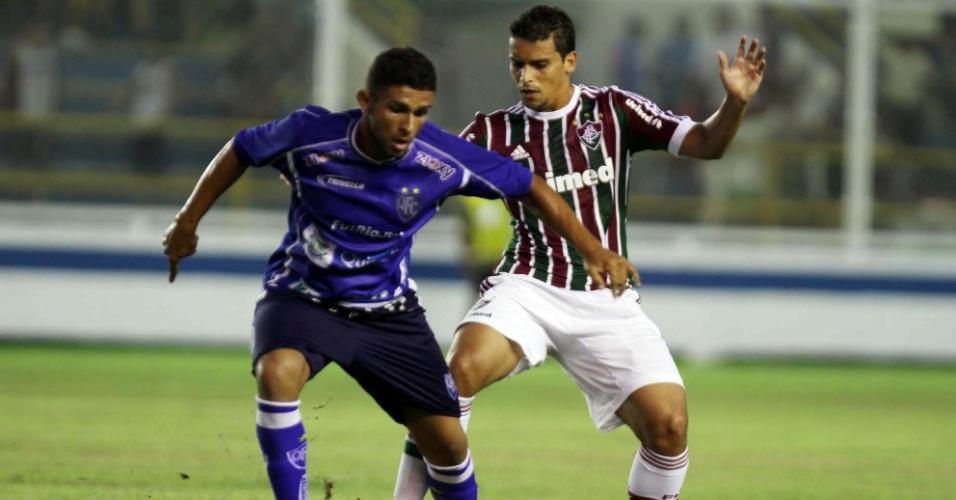 02.fev.2013- Convocado para o lugar de Hernanes na seleção brasileira, Jean defende o Fluminense contra o Quissamã pelo Carioca