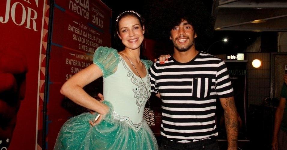 1.fev.2013 - Luana Piovani com o marido, Pedro Vianna, em baile pré-carnavalesco no Circo Voador, centro do Rio de Janeiro. O evento foi comandado pela Orquestra Imperial