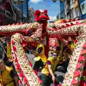 Festa em São Paulo comemora chegada do Ano Novo chinês - Yasuyoshi Chiba/AFP