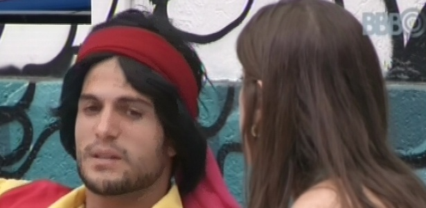 03.fev.2013 - André e Andressa conversaram sobre o relacionamento do empresário com Fernanda