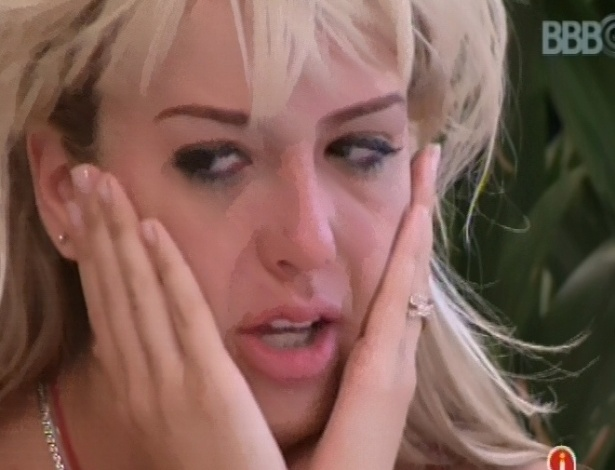 03.fev.2013 - Fernanda chora e desabafa com Natália e Anamara sobre André