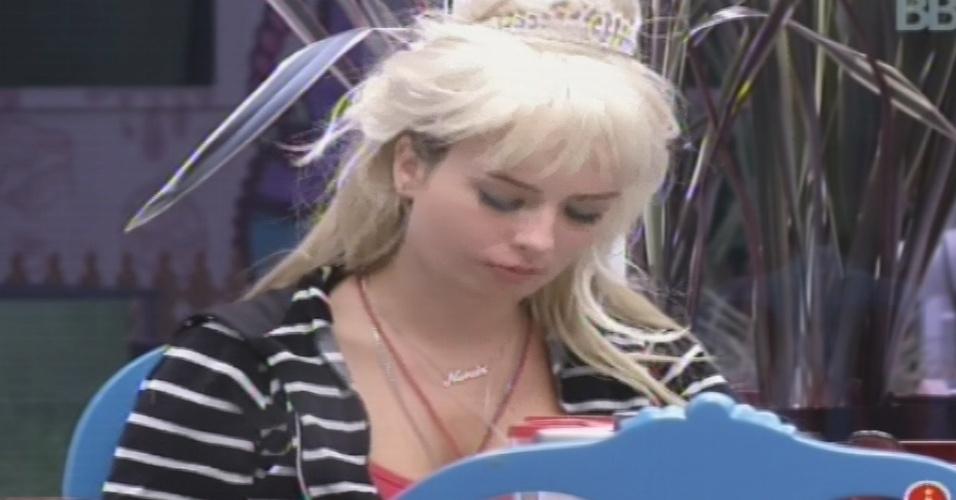 03.fev.2013 - Fernanda desabafa sobre briga que teve com André