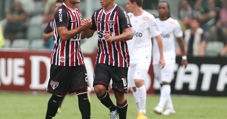 03.fev.2013 - Jadson comemora após marcar para o São Paulo na derrota para o Santos na Vila Belmiro