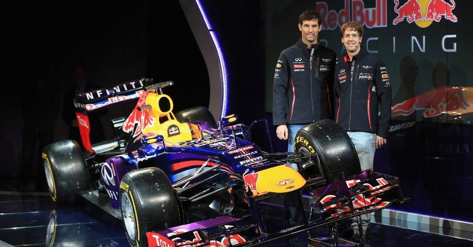 Com detalhes em roxo, Red Bull, atual tricampeã da Fórmula 1, apresenta o RB9, carro da escuderia para a temporada 2013; Mark Webber e Sebastian Vettel seguem como pilotos do time