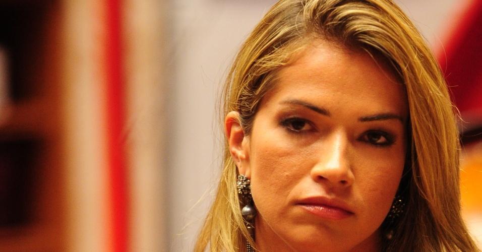 03.fev.2013 - Fani é a escolhida da líder Marien para ir ao paredão