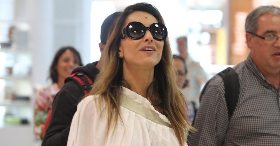 4.fev.2013 - A apresentadora Sabrina Sato embarca no aeroporto de Santos Dumont, próximo ao centro do Rio de Janeiro