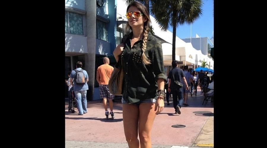"""4.jan.2013 - Paula Fernandes viajou de férias para Miami, Estados Unidos. """"Curtindo os últimos dias de férias"""", escreveu a cantora"""