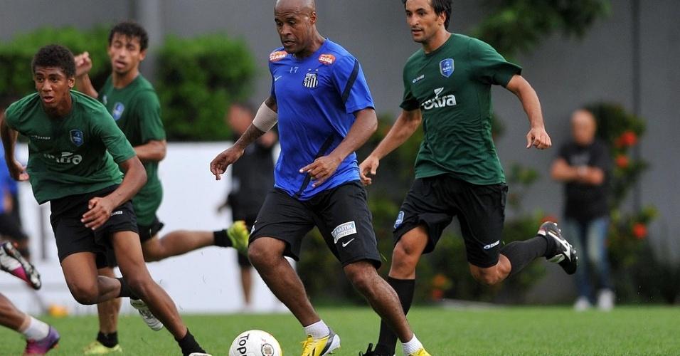 Ao lado de Léo e Edu Dracena, Marcos Assunção participa de 1º coletivo da temporada