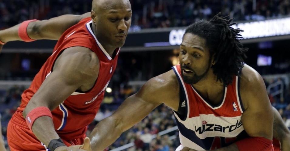 04.fev.2013 - Nenê foi um dos destaques da vitória dos Wizards sobre os Clippers; a equipe de Washington deixou a lanterna do leste