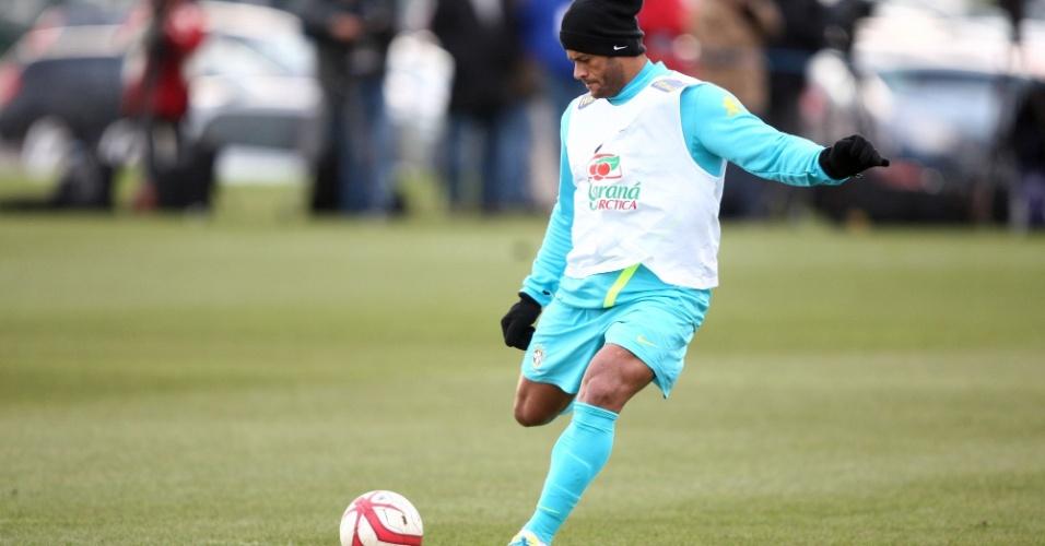 05.fev.2013 - Neymar durante treino do Brasil antes do amistoso contra a Inglaterra