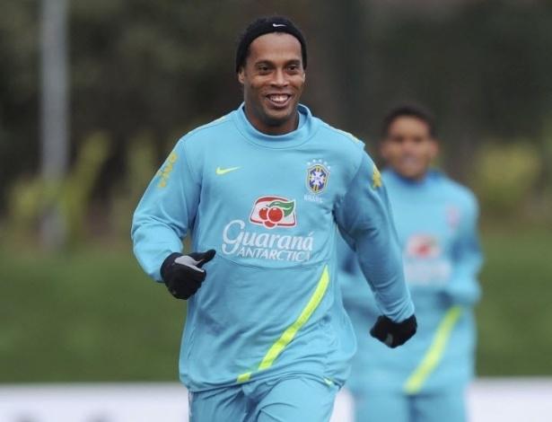 05.fev.2013 - Ronaldinho Gaúcho em treino da seleção brasileira