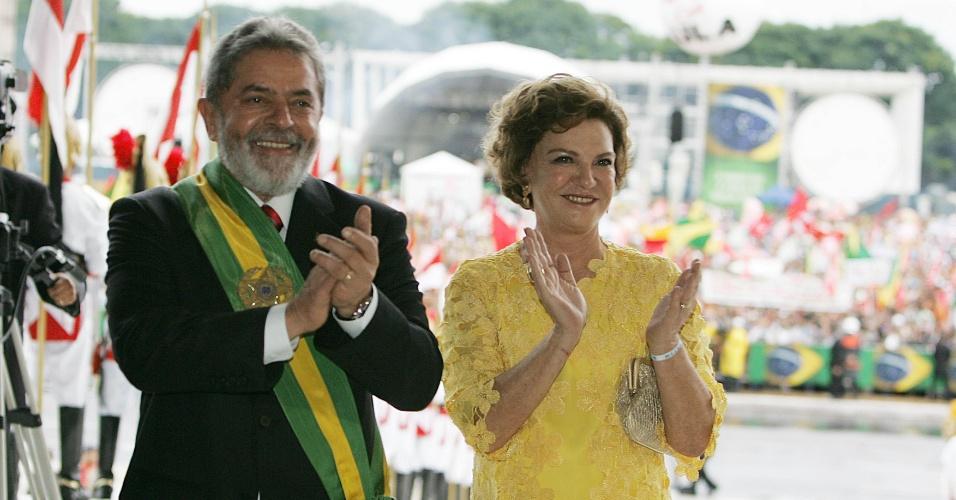 1º-jan.2007 - O presidente Luiz Inácio Lula da Silva e a primeira-dama, Marisa Letícia, durante cerimônia de posse no Palácio do Planalto