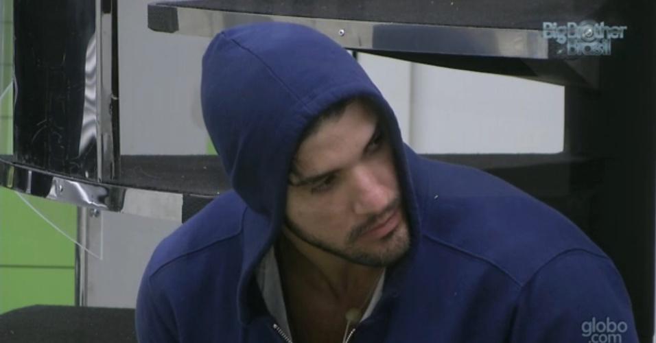 5.fev.2013 - Marcello conversou com Nasser sobre os desentendimentos que teve na segunda-feira com Yuri e Eliéser