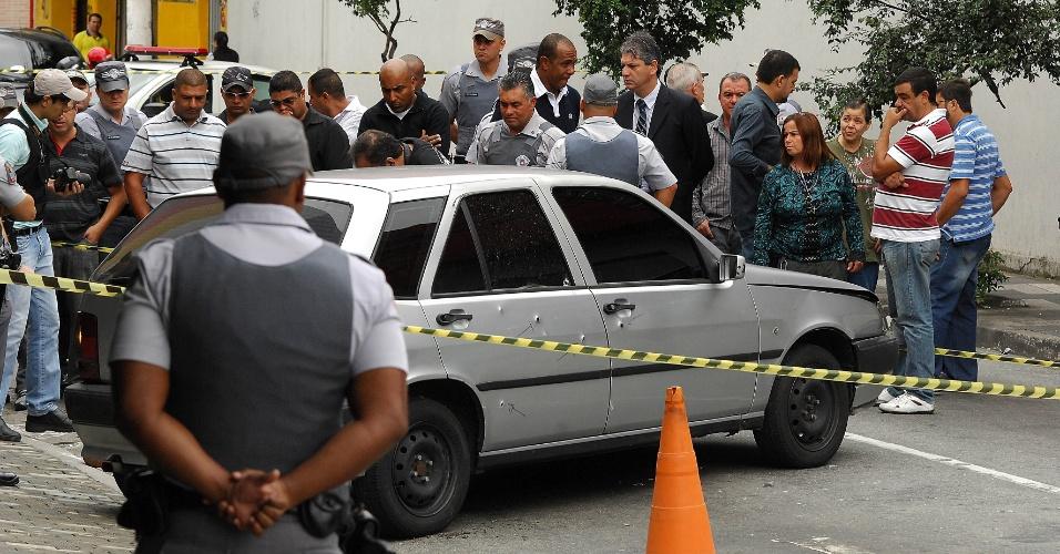 5.fev.2013 - Um policial militar das Rondas Ostensivas Tobias de Aguiar (Rota), que trabalhava como segurança de uma farmácia, foi morto a tiros no centro de Osasco, na Grande São Paulo