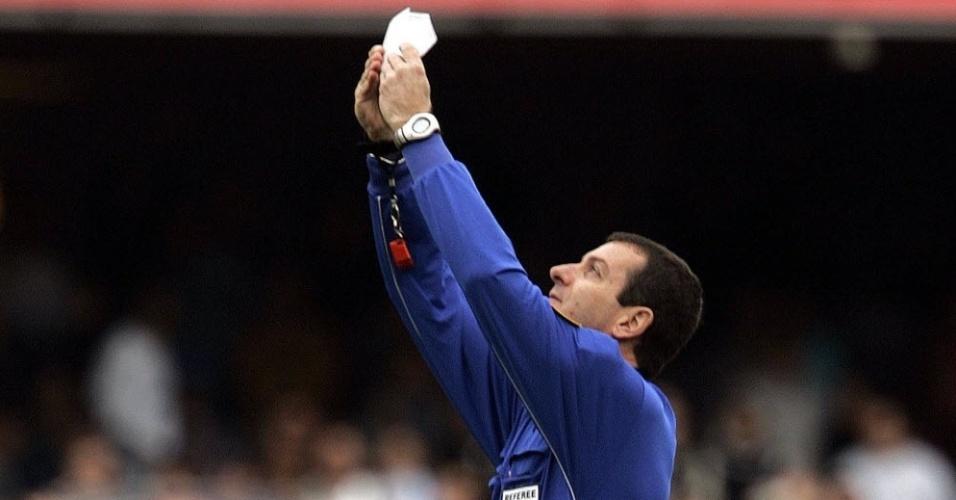 Ex-árbitro Edilson Pereira de Carvalho foi pivô de escândalo que mexeu com Brasileiro de 2005