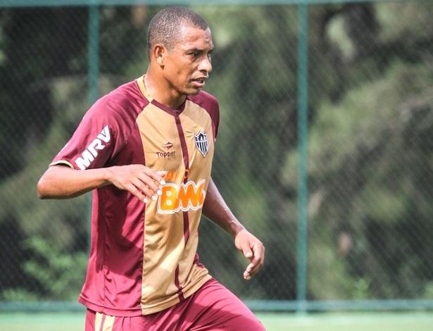Gilberto Silva durante treino do Atlético-MG na Cidade do Galo (30/1/2013)