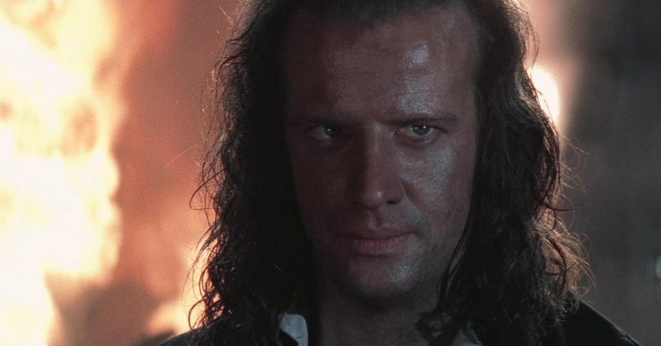 """""""Highlander 2"""" (1991), de Russell Mulcahy: O primeiro virou filme cult, mas a segunda incursão do guerreiro imortal nos cinemas foi constrangedora. O crítico Roger Ebert diz que este é """"o filme mais hilário e incompreensível que ele já viu"""""""